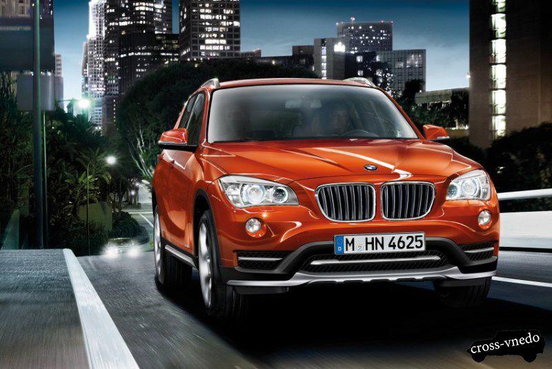 2014 год BMW X1