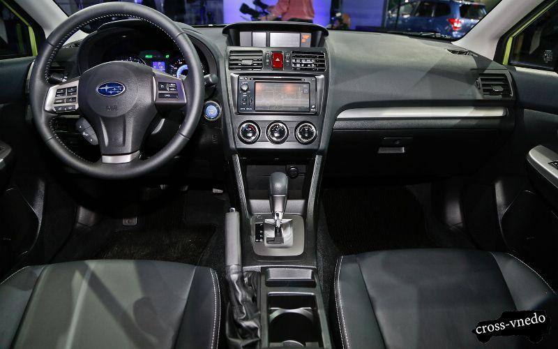2014 год Subaru XV кроссовер
