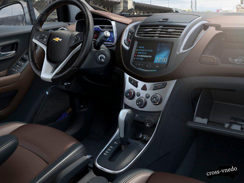 Новый кроссовер Chevrolet Trax салон