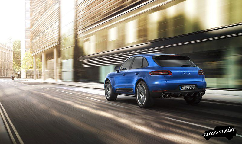 Porsche Macan в движении