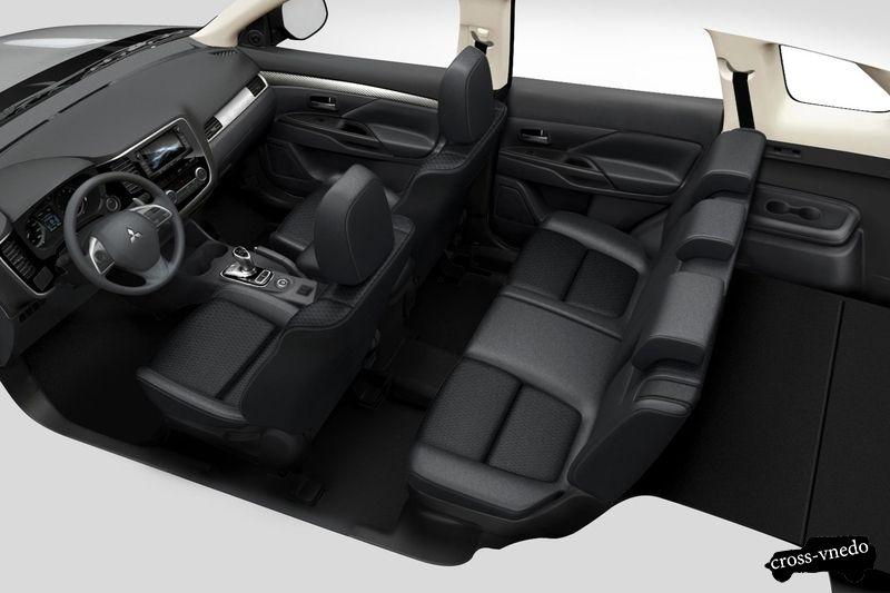 Дизайн салона Mitsubishi Outlander PHEV