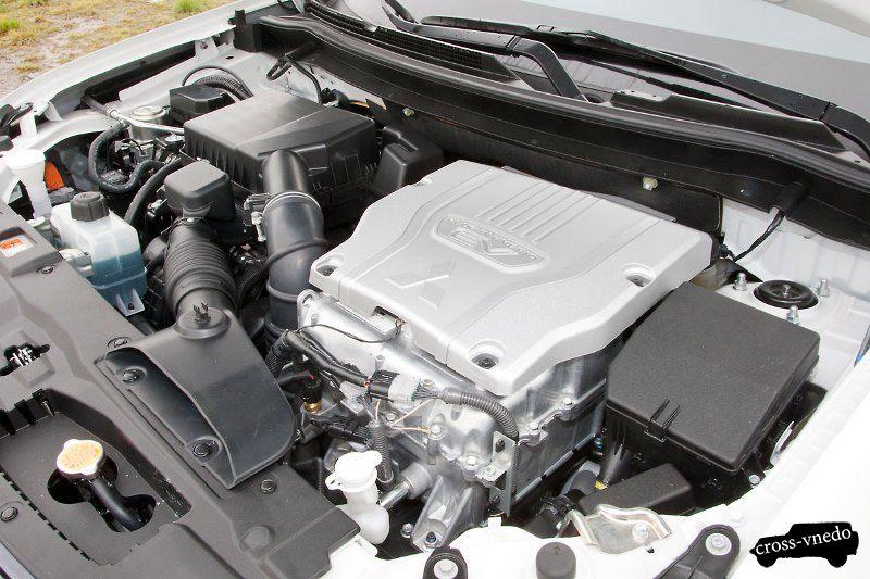 Двигатель Mitsubishi Outlander PHEV 2014