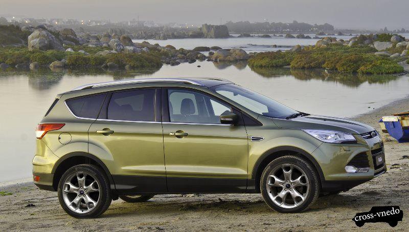 Ford Kuga 2014 в профиль