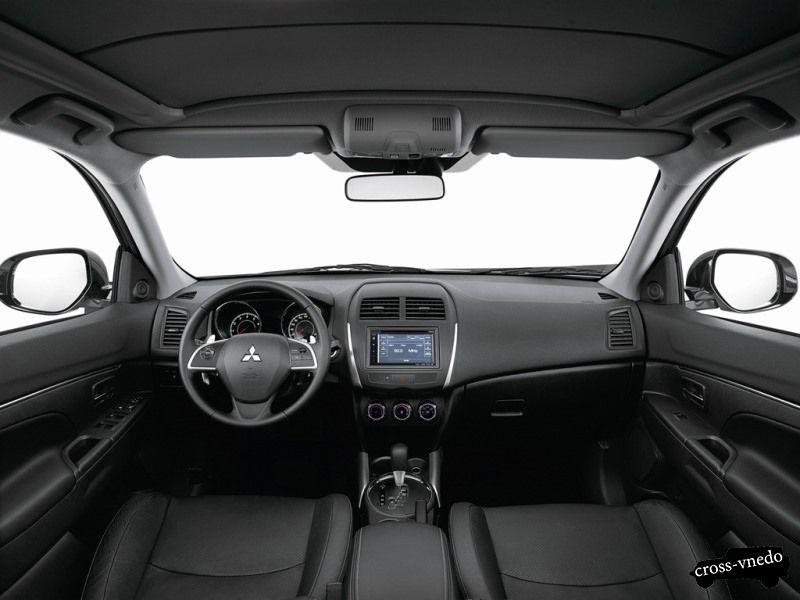 Интерьер Mitsubishi ASX 2014