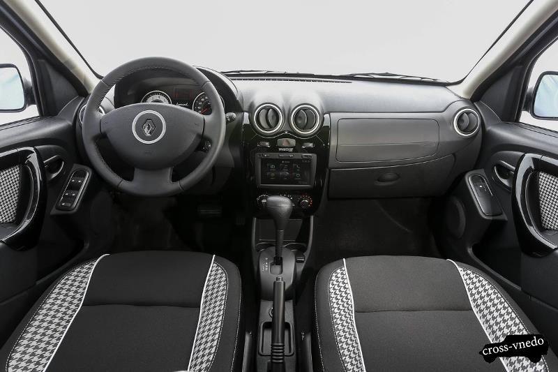 Renault Sandero Stepway 2014 интерьер