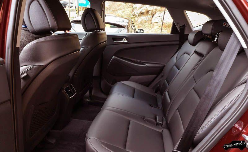 Hyundai Tucson 2016 задние сиденья