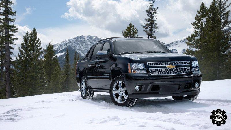 Chevrolet Avalanche на природе