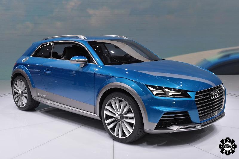 Красивый автомобиль Audi Allroad Shooting Brake