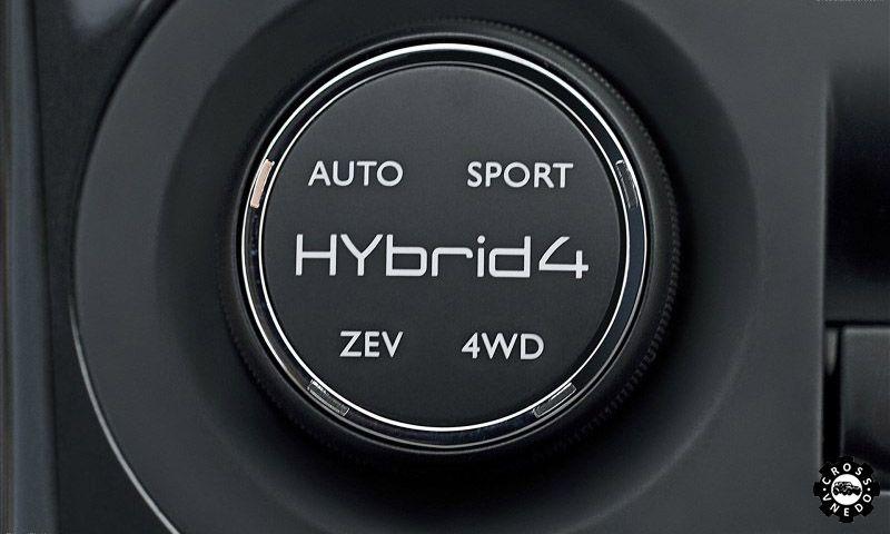 Peugeot 3008 Hybrid4 фото