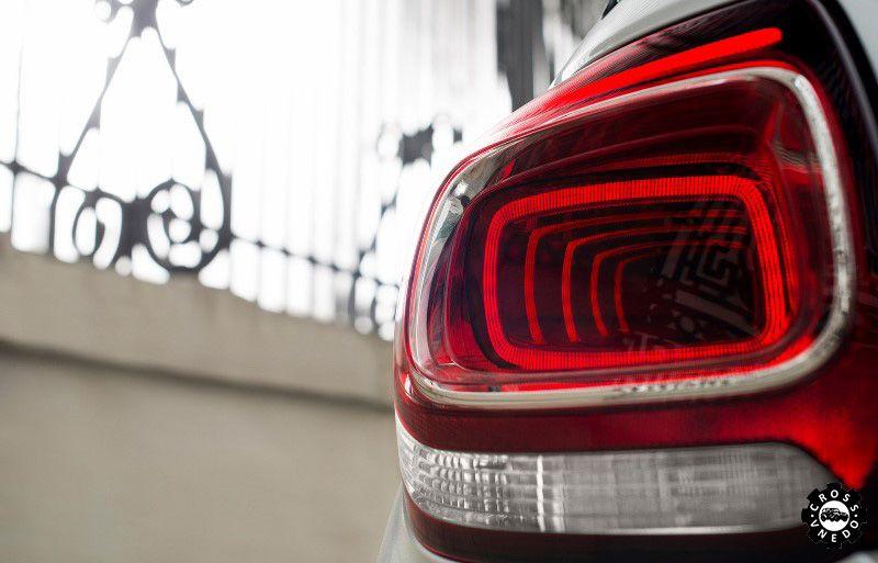 Задний фонарь Citroen DS3 2015 года выпуска