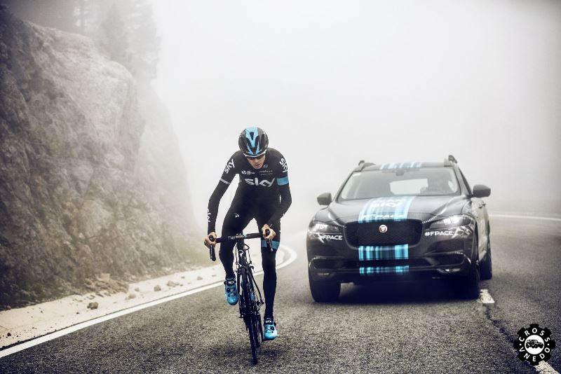 Jaguar F-Pace на велогонках
