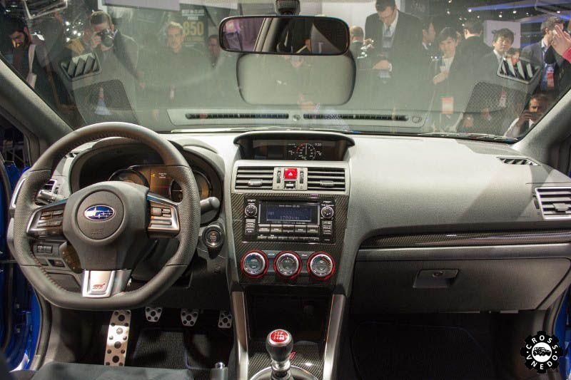 Салон автомобиля Subaru Forester