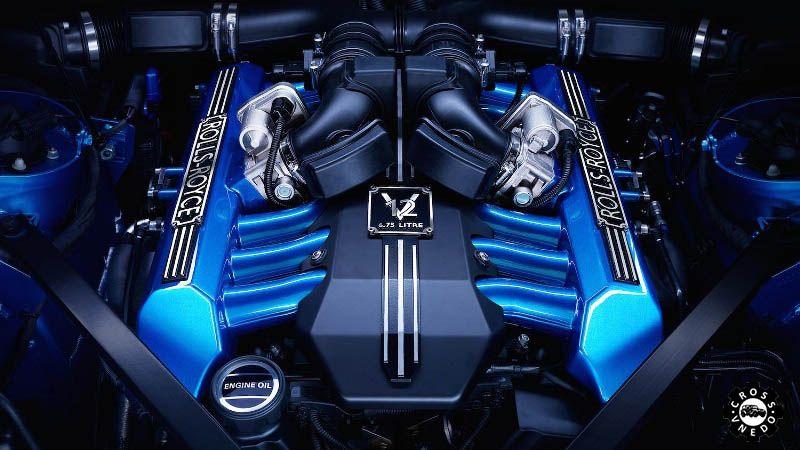Rolls-Royce Cullinan двигатель автомобиля