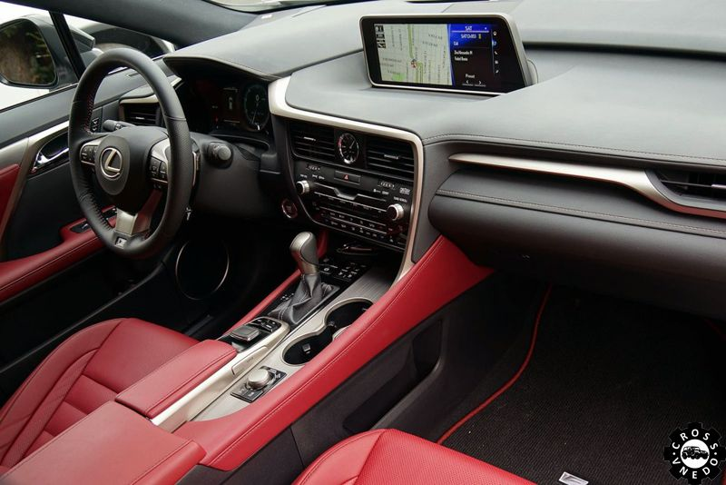 Новый Lexus RX салон