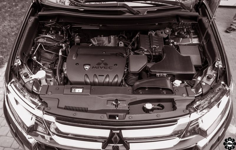 mitsubishi outlander 2016 мотор